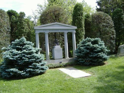 Colonel_Sanders_Grave_1